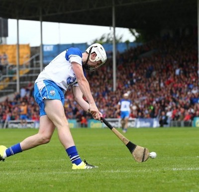 Hurling skills – ground strike on the run